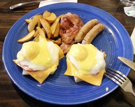 Eggs Benedict - Brunch House - Daegu