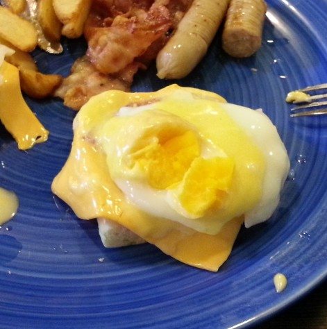Eggs Benedict 2 - Hobbit House - Daegu